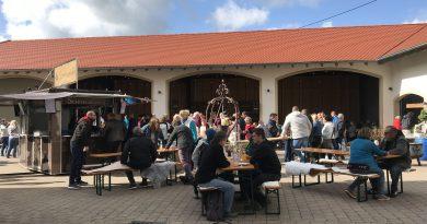 Neuer-Wein-Party beim Weingut Müller